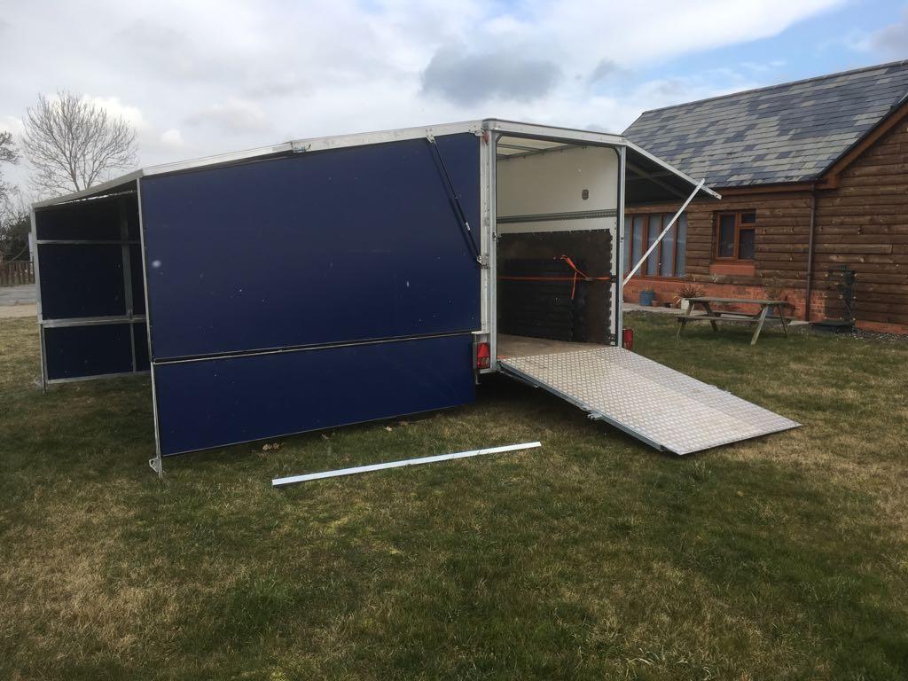 Stabling trailer